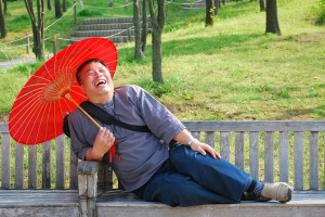 man smiling asian-1090766_960_720