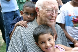 William H. Gates Sr., visit the Naz Foundation's care centre for HIV Positive children, The Naz Foundation (India) Trust (NI) is a New Delhi based NGO working on HIV/AIDS and Sexual Health since 1994, New Delhi, India, September 2004, Photo: Courtesy of the Bill & Melinda gates foundation / Prashant Panjiar